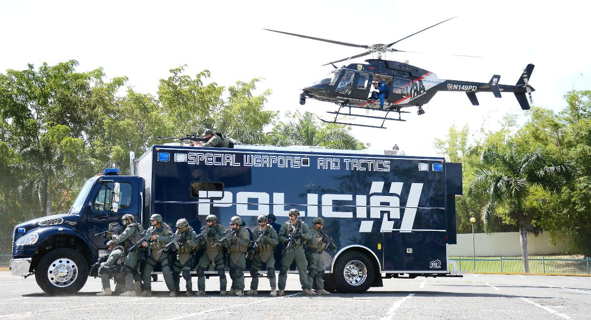 Helicóptero y Vehículo SWAT